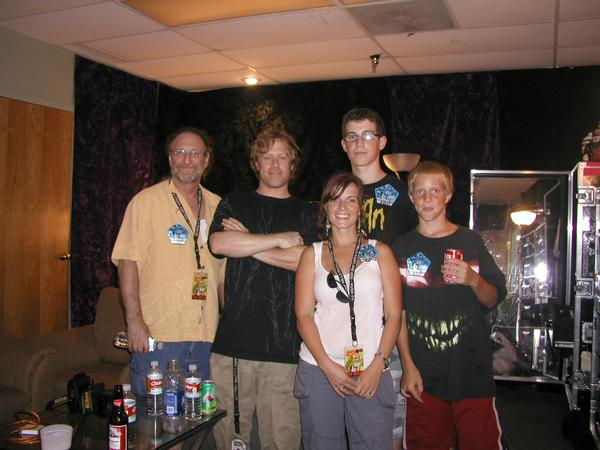 What a day back stage at the Korn Concert 07.  Meet Zack and THE Bone Family..