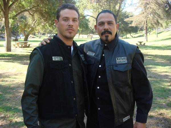 couples jax tara sons of anarchy 70 are we crazy. Black Bedroom Furniture Sets. Home Design Ideas